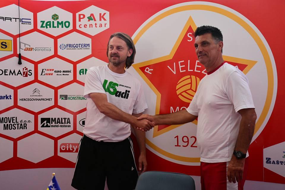 Esmir Sedić e Ibrahim Rahimić, nello stadio del Velež a Mostar
