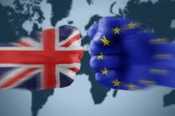 La Brexit ha vinto: Cameron di dimette