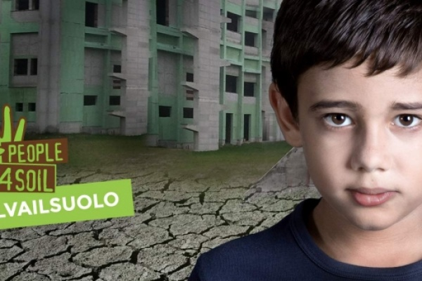 #salvailsuolo: raccolte in Italia 82.000 firme